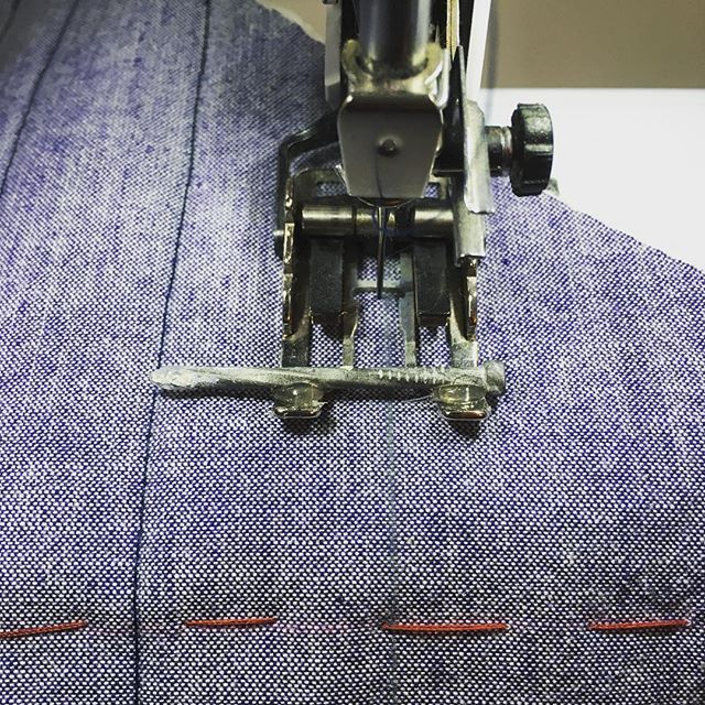 """Definitely the weirdest mod I've ever done to my sewing machine... hot glued a nail to my walking foot to act as a 1"""" guide for my quilting lines. Will peel off very easily and save me from chalk marking a million straight lines. #tamarackjacket @grainlinestudio hahahatamarackjacketclosetcase.patterns"""