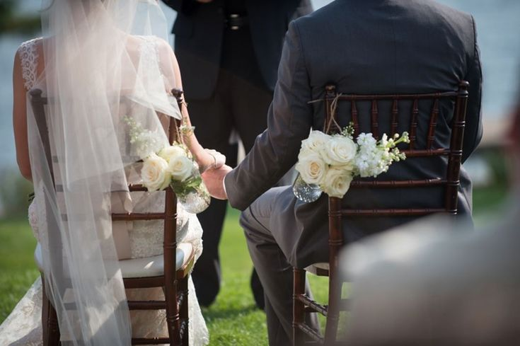 #masonjars #weddingdecor #weddingceremony #weddingflowers #wedding #whitewedding #incarnationsdesign