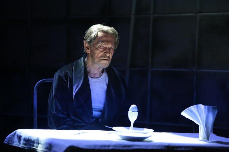 Umberto Orsini nel ruolo di Leone Gala (Il Giuoco delle Parti | Carignano, 5-17 maggio 2015).