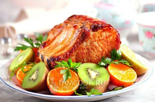 Запеченная свиная корейка в мандариновом соусе