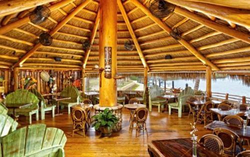 Guanabanas Island Restaurant, Jupiter, FL. Had friend's bridal shower under this tiki, gorgeous setting!