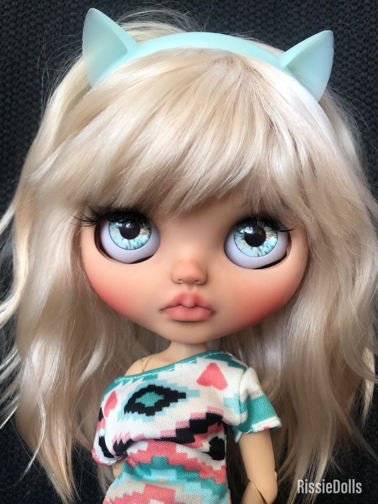 Ooak custom Blythe doll, blond weft mohair, tan skin color, Customized by rissiedolls