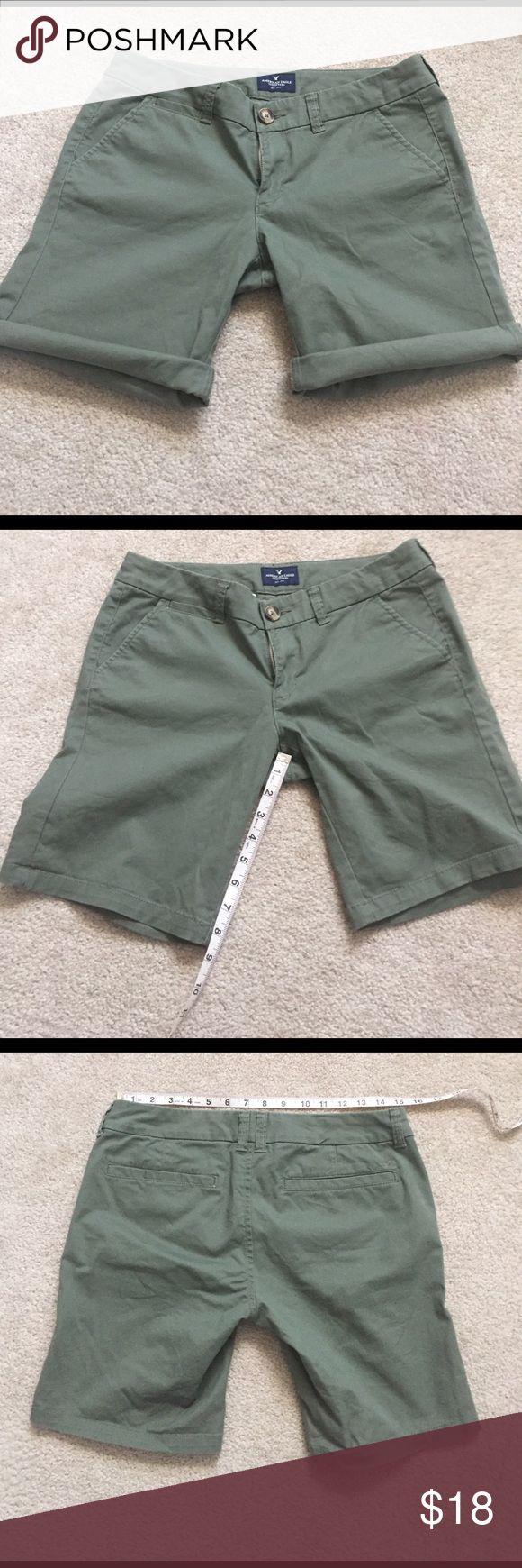 American Eagle Army Green Bermuda Shorts NWOT 6 American Eagle Army Green Bermuda Shorts NWOT 6 American Eagle Outfitters Shorts Bermudas
