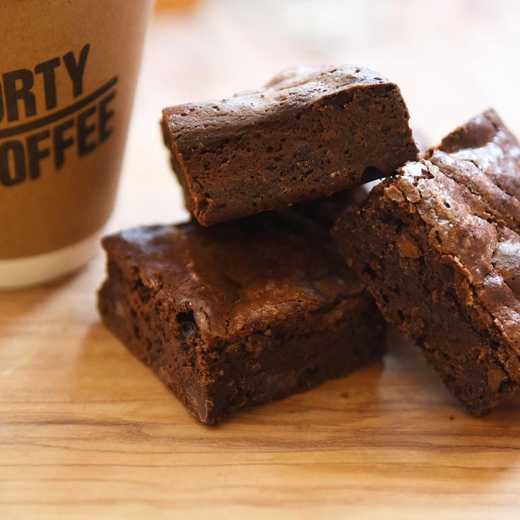 . @bonnys.bake.shop さんよりチョコブラウニーの到着です しっとり濃厚なチョコレートがコーヒーあいます 是非コーヒーのお供にお召し上がり下さい チョコブラウニー 250-  #sportycoffee #coffee #espresso #latte #amemura #shinsaibashi #osaka #japan #アメ村 #hiroshisawada #sawadacoffee #chicago #america #theroasters #handdrip #wakayama #appleandginger #sibuya #okushibuya #aktr #aktrsportssupply #basketball #streetball #sports #thebarn #germany #berlin