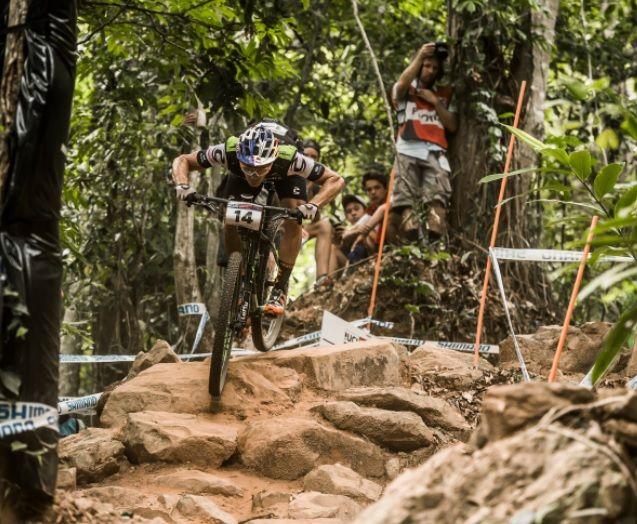 Il circo del cross country torna quattro anni dopo a La Bresse, località idilliaca nel nord est della Francia è pronta ad ospitare il terzo appuntamento della UCI Mountain Bike World Cup 2016.  #ciclismo #Mtb #mondociclismo #RedBullTV