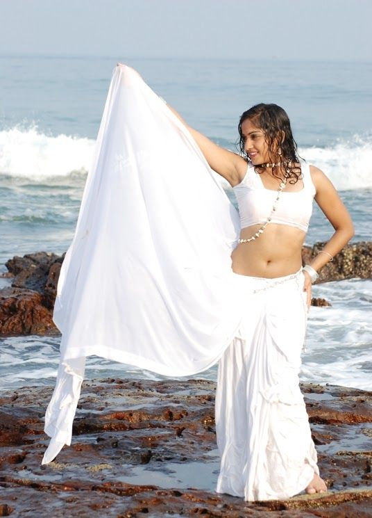 Heroine Madhavi Latha hot dress removing hot Photos Images Pictures Wallpapers free Download
