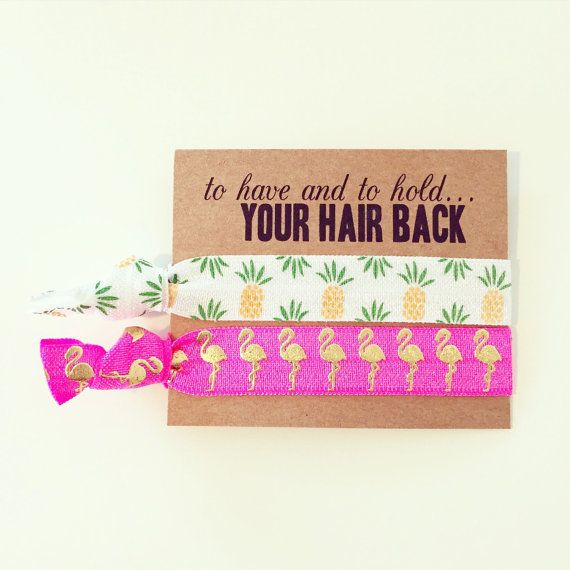 Chouchou en faveur de Bachelorette / / ananas + cheveux flamant rose Tie des faveurs, Tropical Luau Bachelorette cheveux papillon des faveurs, mariage à Destination de l
