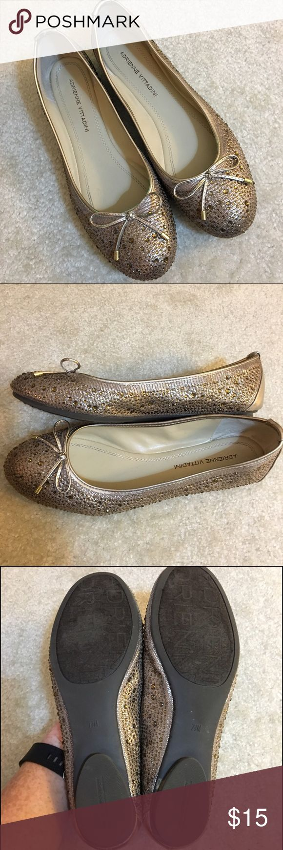 Adrienne Vittadini sparkle gold ballet flats Adrienne Vittadini sparkle gold ballet flats with bow detail and in great condition. Super cute shoes and only worn a few times Adrienne Vittadini Shoes Flats & Loafers