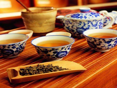 Bis heute gilt der chinesische Tee als einer der besten der Welt und die Chinesen werden als Erfinder dieses Getränks angesehen.