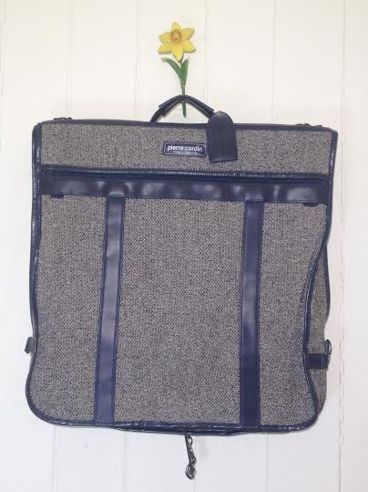 Pierre Cardin -carry on garment bag - carry luggages - carry luggage bag - suit bag - suit travel bag - travel luggage bags