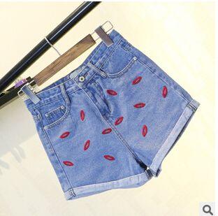Купить товарГорячая мода женские джинсовые шорты края губы вышивка женщины шорты джинсы мытья голубой лето короткие штаны в категории Шортына AliExpress.    Горячая Женская мода джинсовые шорты край губы вышивка женщин шорты стирать джинсы синие летние короткие штаны     &n