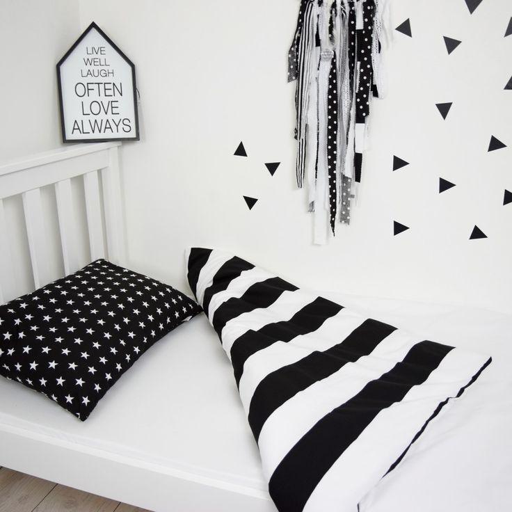 Jak urządzić łóżko w pokoju dziecięcym?