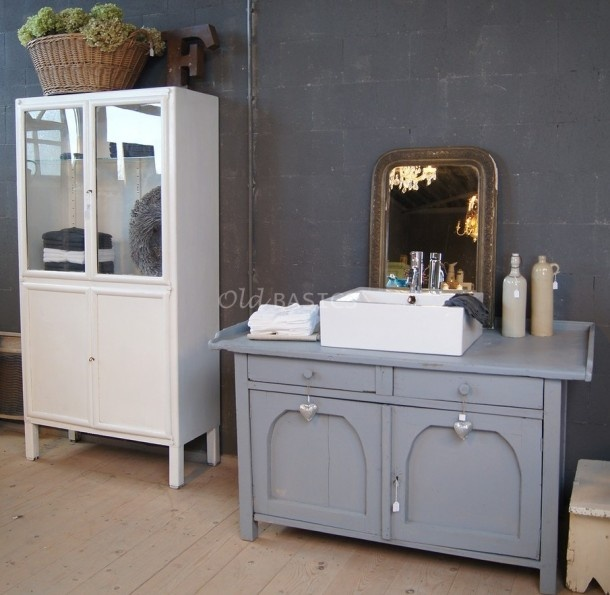 1000 images about badkamer idee on pinterest bathroom wall ideas tes and chest of drawers - Badkamer retro chic ...