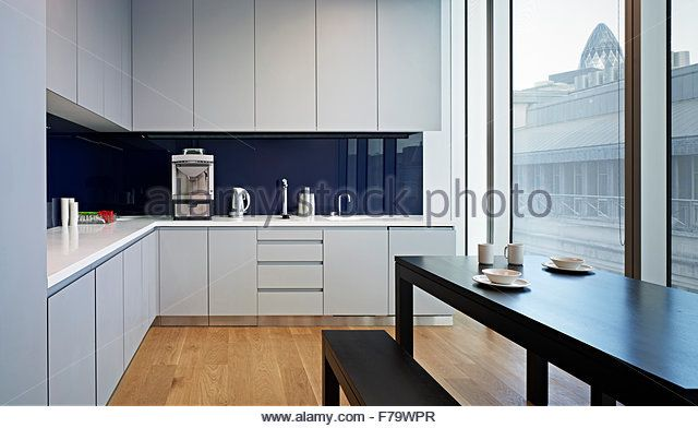kitchen-facilities-in-rothschilds-london-office-england-uk-f79wpr.jpg (640×392)