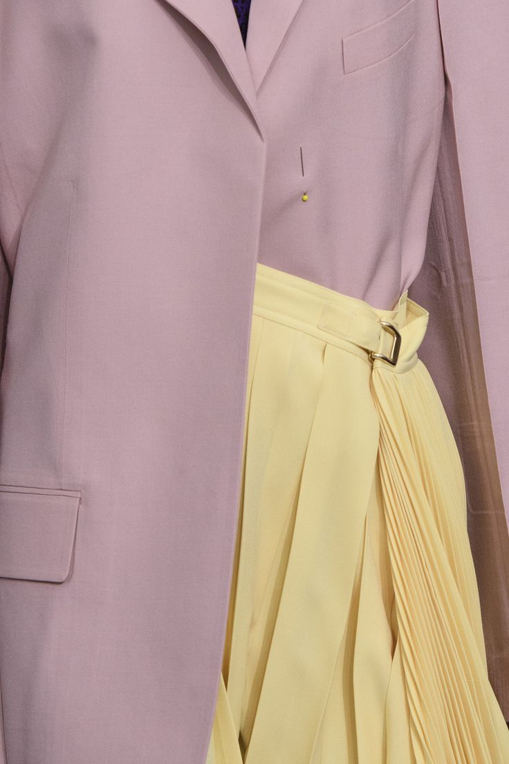 Celine Spring 2018 Fashion Show Details, The Best of Paris Fashion Week Runway at TheImpression.com - Fashion news, street style, models, & more