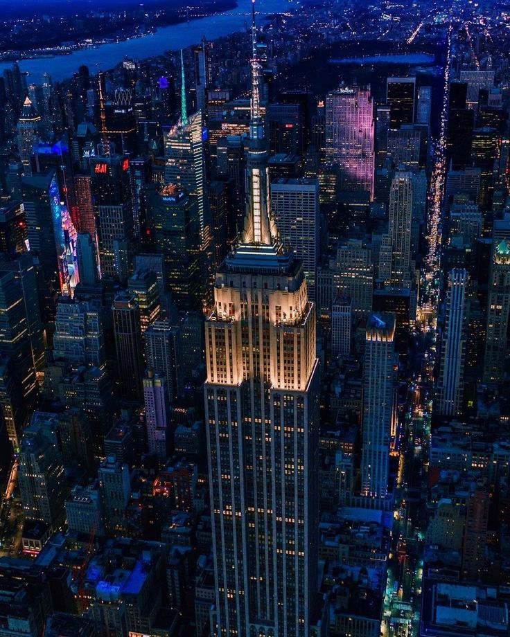 Empire State Building by Chris Terranova  New York City Feelings  The Best Photos and Videos of New York City including the Statue of Liberty, Brooklyn Bridge, Central Park, Empire State Building, Chrysler Building and other popular New York places and attractions