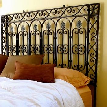 Testata da letto con ringhiera in ferro battuto