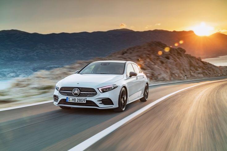 Die neue Mercedes A-Klasse ist da. Der neue Stern am Kompaktklasse-Himmel bietet Funktionen, die bislang dem Luxus-Bereich vorbehalten waren.