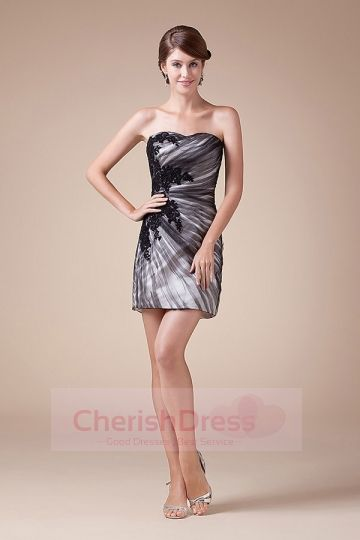 Mini/Short Sheath/Column Strapless Dress with Ruffles Appliques