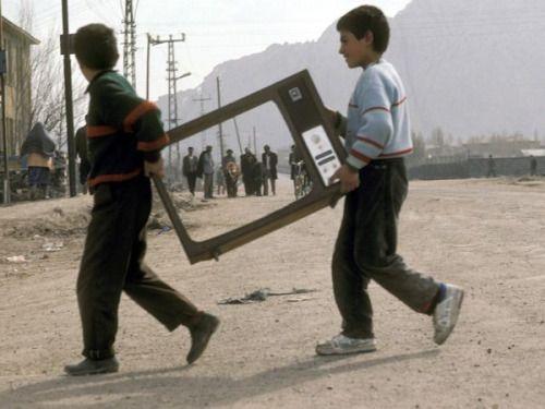 "autruchon:  "" Reza Deghati, Dogubayazit, Turquie (1993)  """