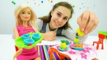 Посуда  http://video-kid.com/20356-posuda.html  Мастерская #Барби снова открыта! Кукле #Барби нужна красивая посуда