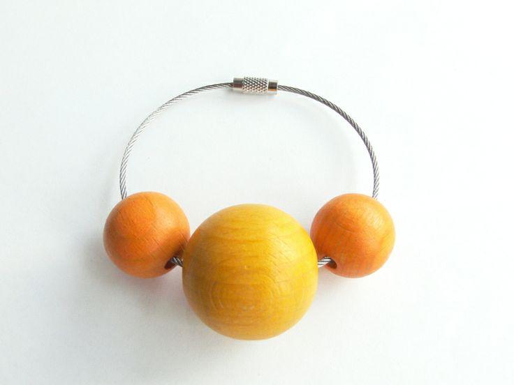 Schlüsselanhänger Holzkugeln gelb-orange von Holz & Stoff Werkstatt auf DaWanda.com