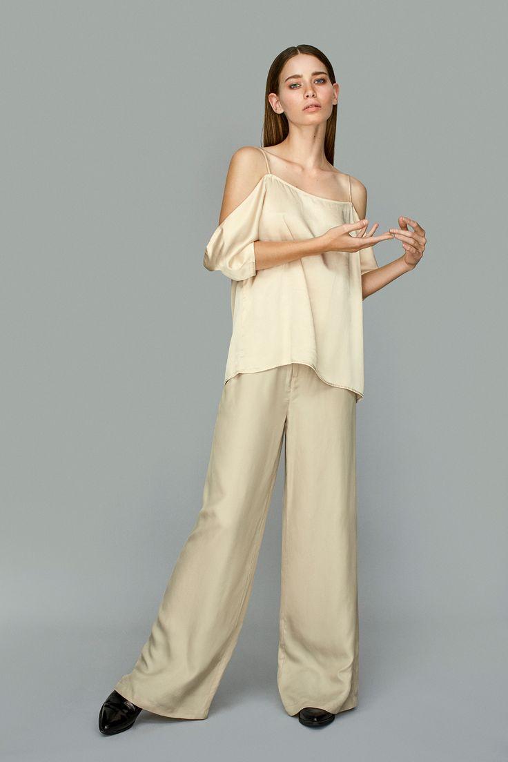 Siri Satina is a feminine and elegant top.