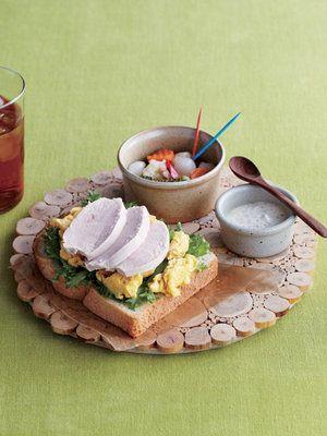 【ELLE a table】鶏ハムオープンサンドレシピ|エル・オンライン