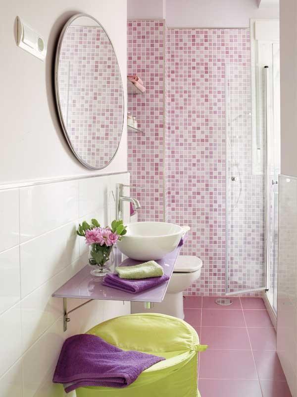 Un cuarto de #baño #femenino y #coqueto: decorado en rosa