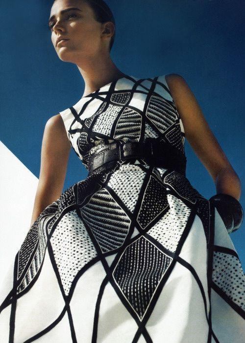 Oscar de la Renta Black and White geometric
