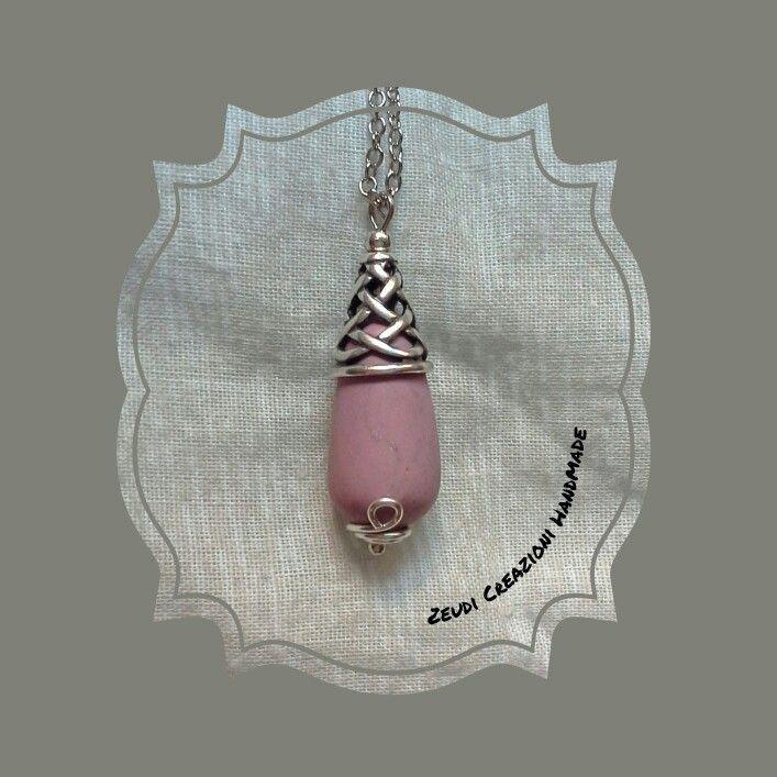 Ciondolo in argento anticato e porcellana fredda color rosa antico. Per info zeudicreazioni@gmail.com  -  www.facebook.com/zeudicreazioni