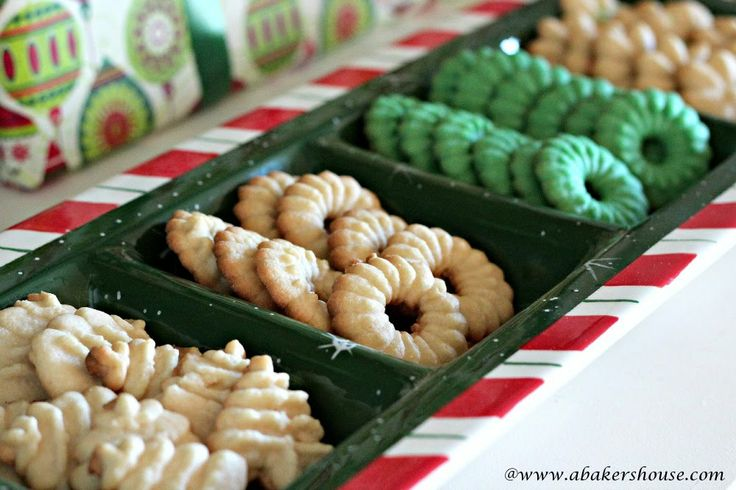 More like this: spritz cookies , cookie press and bakers .