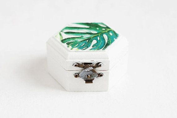 Wedding Ring Box, Ring Bearer Box, Engagement Ring Box, Rustic Ring Box, Ring Bearer, Ring Holder, Tropical Leaves, Monstera, Hawaii wedding