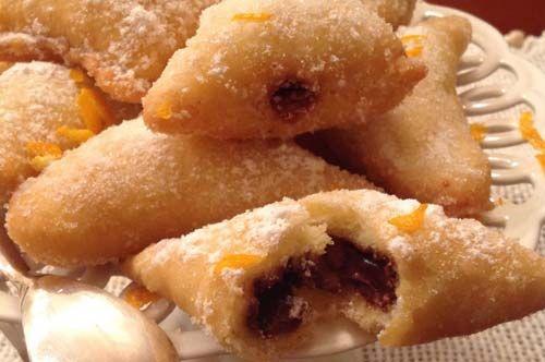 #RicettediPuglia #VieniaMangiareinPuglia  Oggi proponiamo: Ficarelli i panzerotti pugliesi a metà strada tra dolce e salato  Tutta la ricetta qui