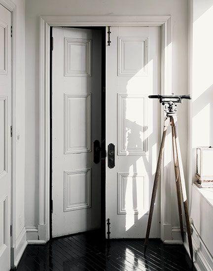 : Doors Hardware, The Doors, International Doors, French Doors, White Doors, Double Doors, Master Bedrooms, Families Rooms Decor, Old Doors