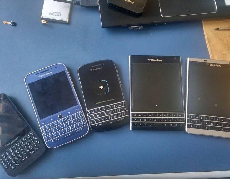 "#inst10 #ReGram @malluquinho: #BlackBerry #qwerty #classic #q20 #passport #silveredition #q10 #q5 #BlackBerryMagazine . . . . . . (B) BlackBerry KEYᴼᴺᴱ Unlocked Phone ""http://amzn.to/2qEZUzV""(B) (y) 70% Off More BlackBerry: ""http://ift.tt/2sKOYVL""(y) ...... #BlackBerryClubs #BlackBerryPhotos #BBer ....... #OldBlackBerry #NewBlackBerry ....... #BlackBerryMobile #BBMobile #BBMobileUS #BBMobileCA ....... #RIM #QWERTY #Keyboard .......  70% Off More BlackBerry: "" http://ift.tt/2otBzeO ""…"