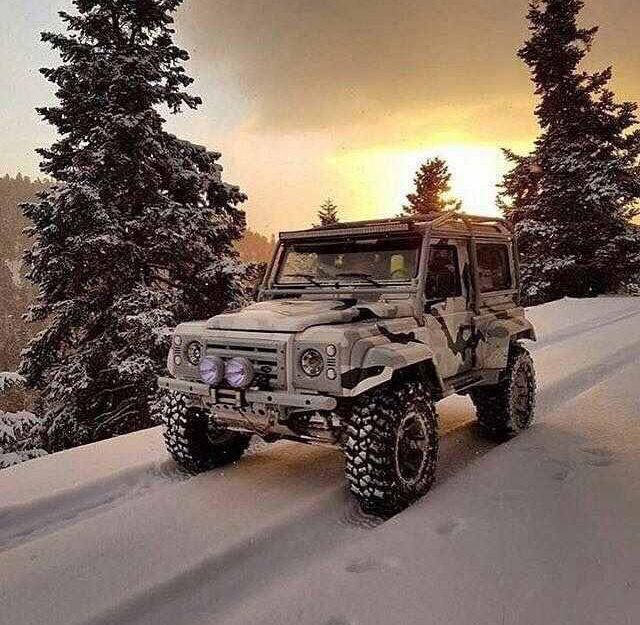 20 Sophisticated Women And The Jeep They Love #jeepGirls #jeepLadies #jeepChick #JeepLife #jeep