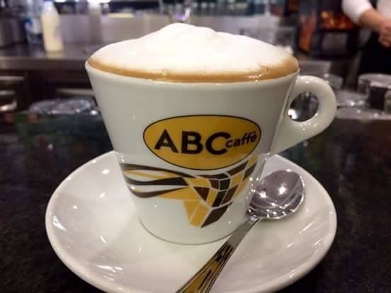 Cappuccino con un buon caffè ABC caffè; Latteart
