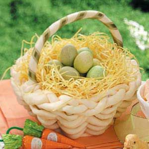 White Chocolate Easter Basket Recipe. My chocolate gifts won't just be for christmas anymore!