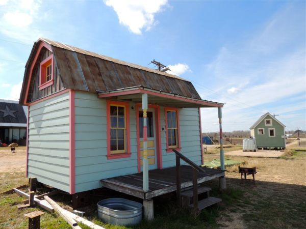 tiny texas houses | Images: Tiny Texas Houses , reproduced with permission)
