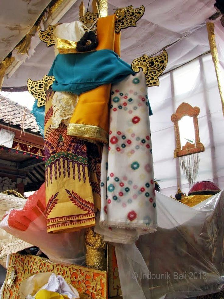 Clothing for a journey to the next life. Cremation ceremony, Peliatan, Ubud, Bali, February 2013. Photo © Indounik Bali 2013 #cremation #rituals #Bali
