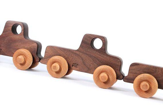 CARRO de la vieja escuela un coche de juguete por SmilingTreeToys