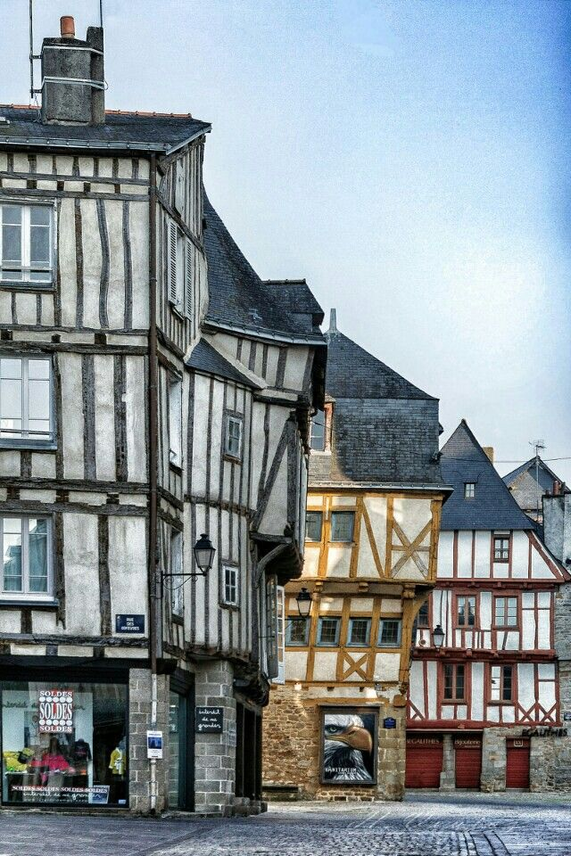 La Ville de Vannes, Morbihan, Brittany, France (by hubert61 on deviantART)