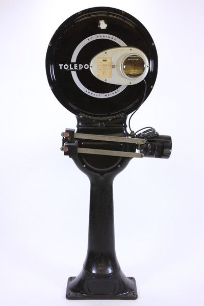 """We are happy to present this antique Toledo Scale. It is marked """"1941 Toledo Scale Co Toledo Ohio USA Toledo One Spot Reading"""" on front of face. This One Spot Reading refers to the fact that the weigh"""