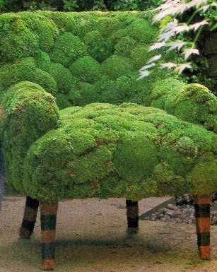 moss chairVintage Chairs, Gardens Ideas, Moss Art, Moss Chairs, Green, Gardens Art, Moss Gardens, Gardens Chairs, Old Chairs
