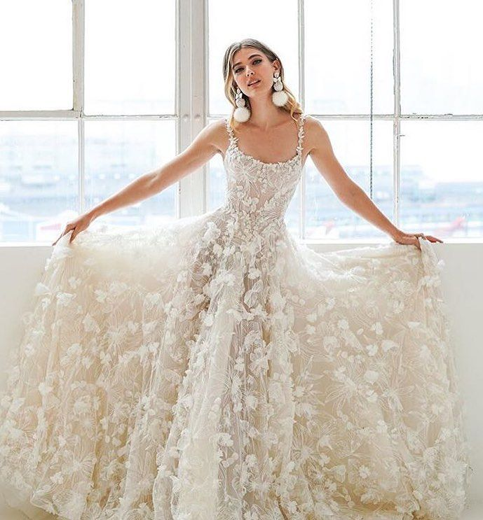New The 10 Best Easy Hairstyles In The World Easy Hairstyle For Medium Hair For Schoo Ethereal Wedding Dress Fall Bridal Fashion Preowned Wedding Dresses