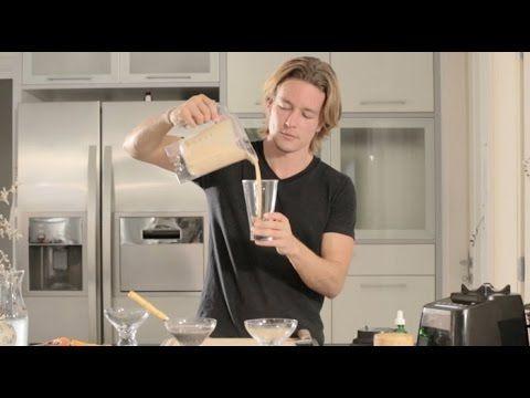 Flavio Passos ensina como preparar uma vitamina completa que pode até substituir uma refeição. Saiba mais em: http://namu.com.br/receitas Visite nosso portal...