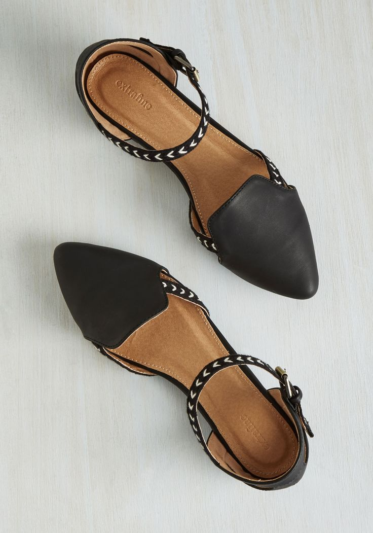 On the Cutting Edge Flat in Black. Being a fashionable frontrunner is as easy as A, B, see how awesome you look in these vegan faux-leather flats! #black #modcloth