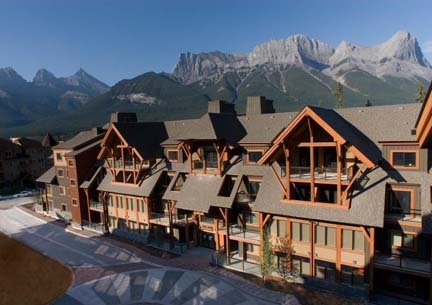 Exterior of Solara Resort & Spa in Canmore, AB!