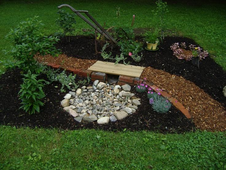 Memorial garden garden tour pinterest gardens for Garden designs for dogs